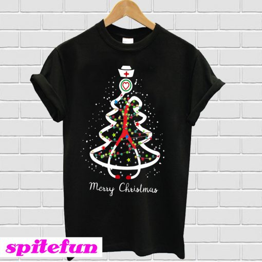 Medical Christmas Tree: Nurse Medical Assistant Tree Merry Christmas T-shirt